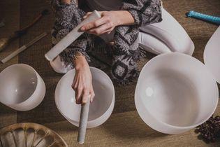 Sound bath : se relaxer avec le son des bols de cristal