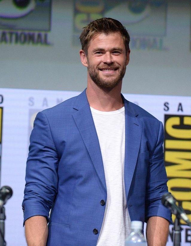 Chris Hemsworth Lion