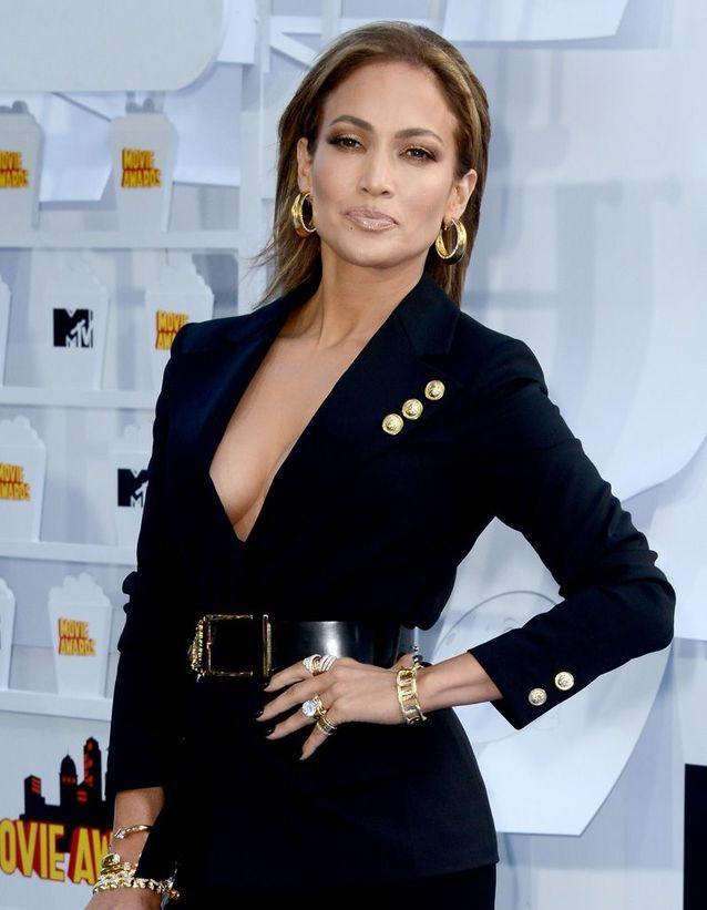 Jennifer Lopez : l'huile de pamplemousse en guise de coupe-faim
