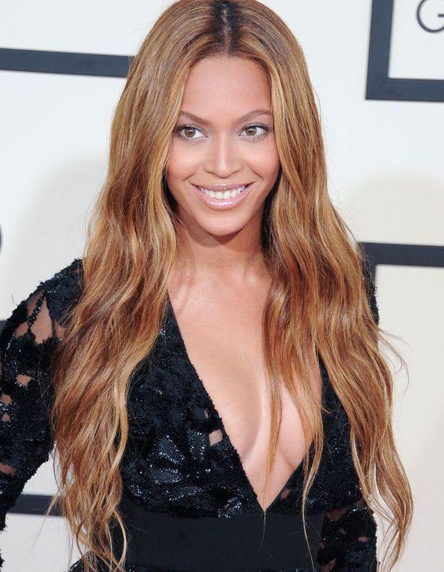 Beyoncé aime aussi les longueurs ondulées