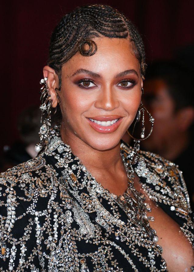 Beyoncé et sa coiffure tressée pour la première du Roi Lion