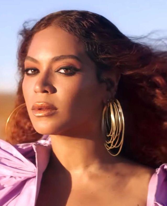 Beyoncé et sa coloration acajou pour le Roi Lion