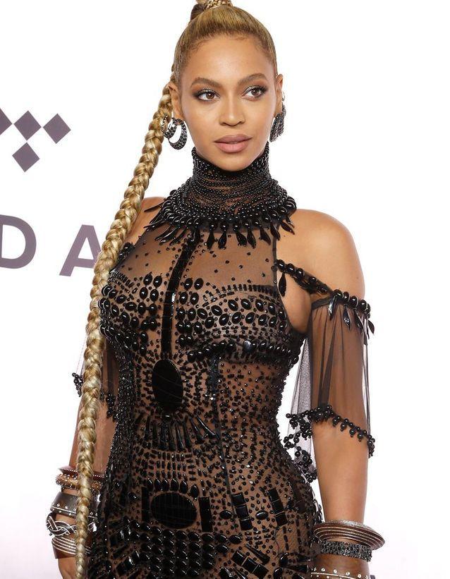 Beyoncé et sa maxi queue-de-cheval tressée