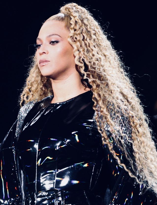 Beyoncé et ses cheveux blonds