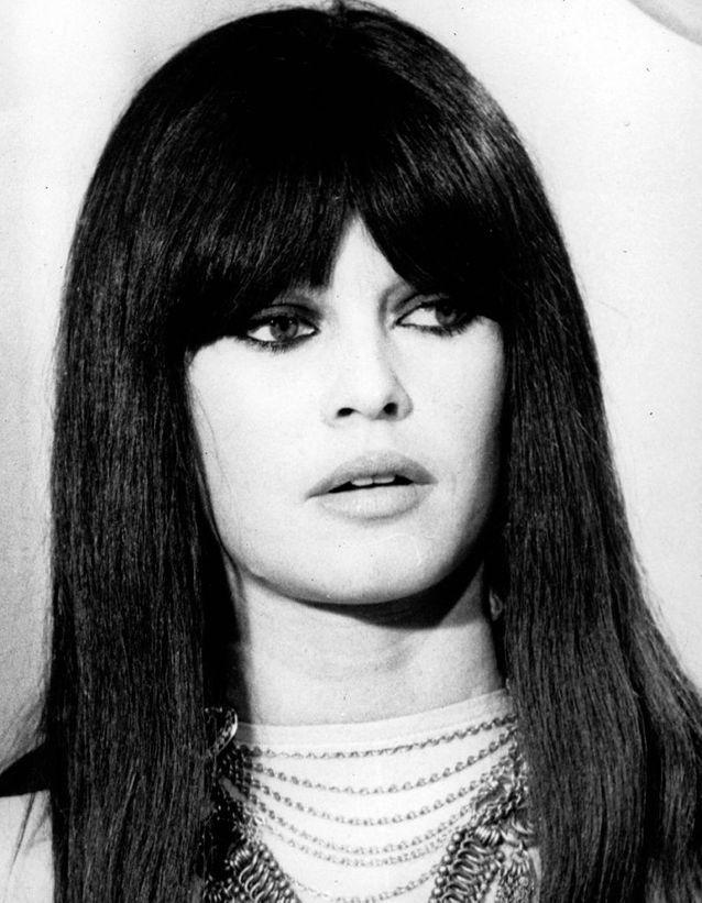 La perruque noire à frange de Brigitte Bardot en 1967