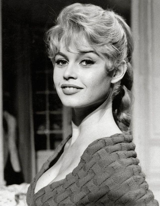 La queue-de-cheval culte de Brigitte Bardot en 1956