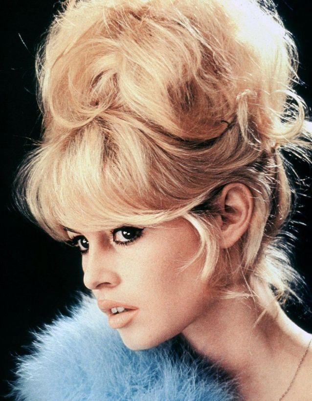 Le chignon à frange de Brigitte Bardot en 1956 , Brigitte