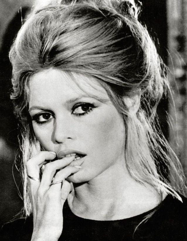 Le chignon glamour de Brigitte Bardot en 1974