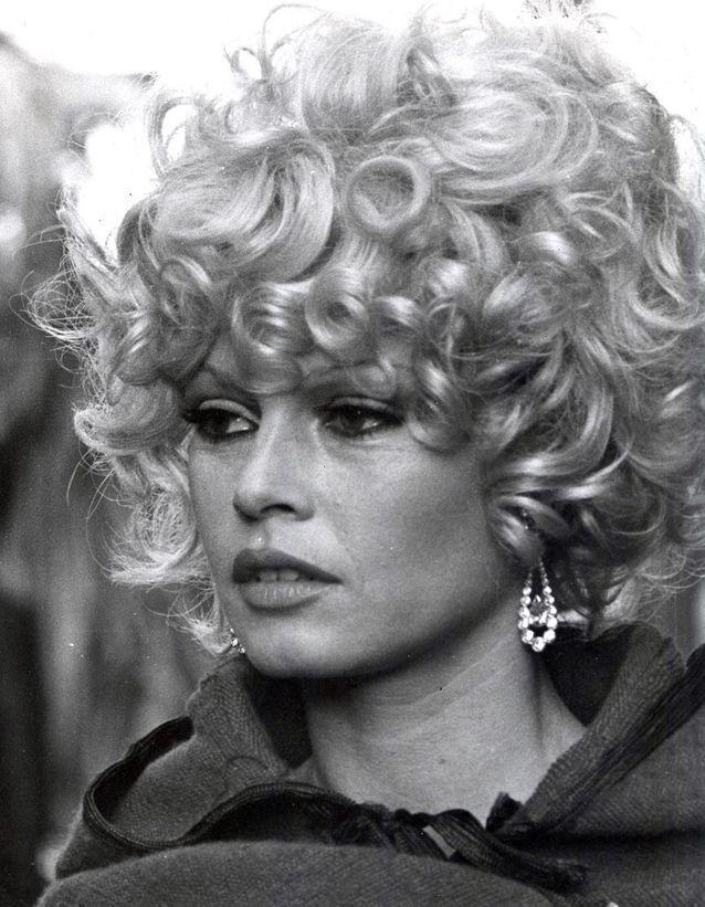 Les boucles disciplinées de Brigitte Bardot