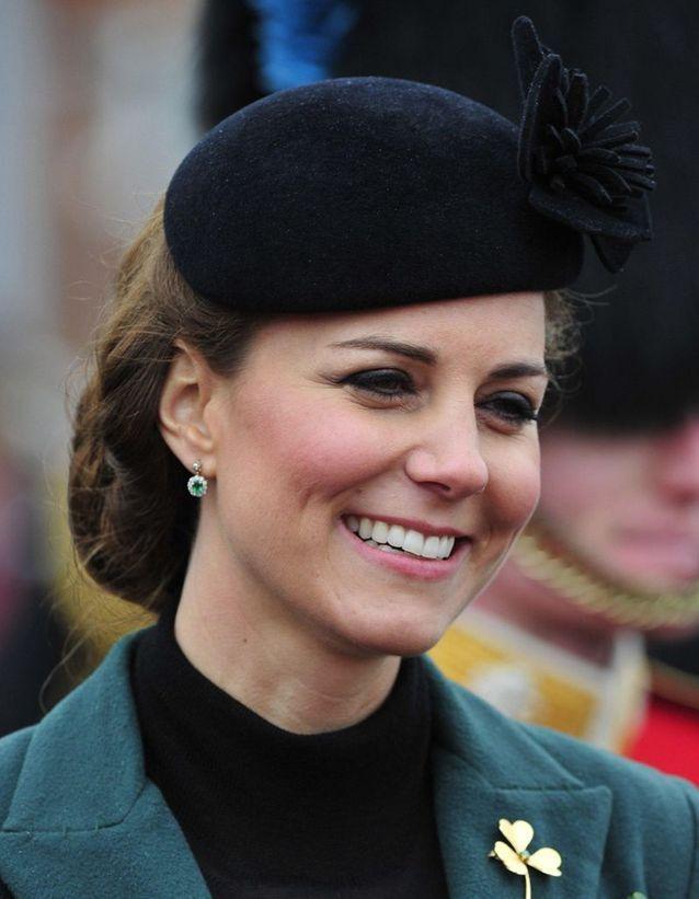 Chignon Kate Middleton avec béret