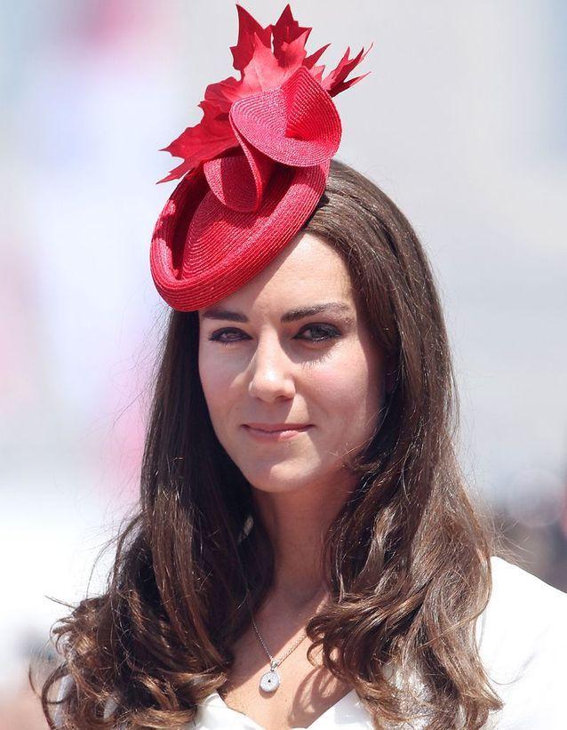 Coiffure avec chapeau Kate Middleton