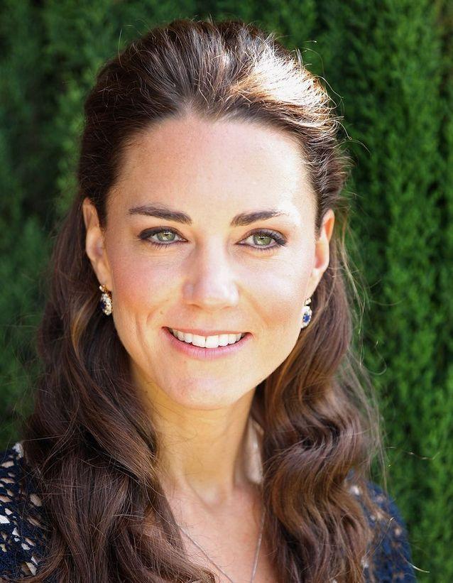 Coiffure cheveux ondulés Kate Middleton