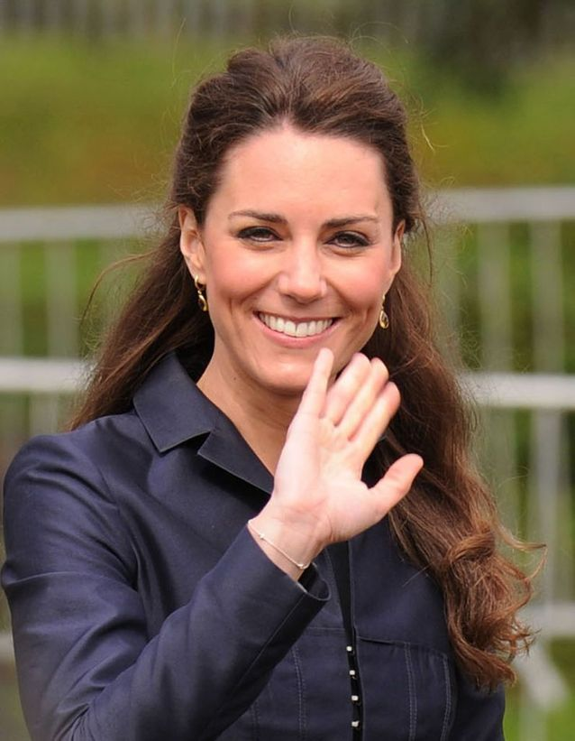 Coiffure demi-queue Kate Middleton