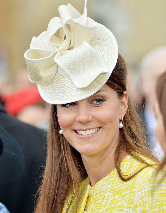 Coiffure Kate Middleton cheveux raides