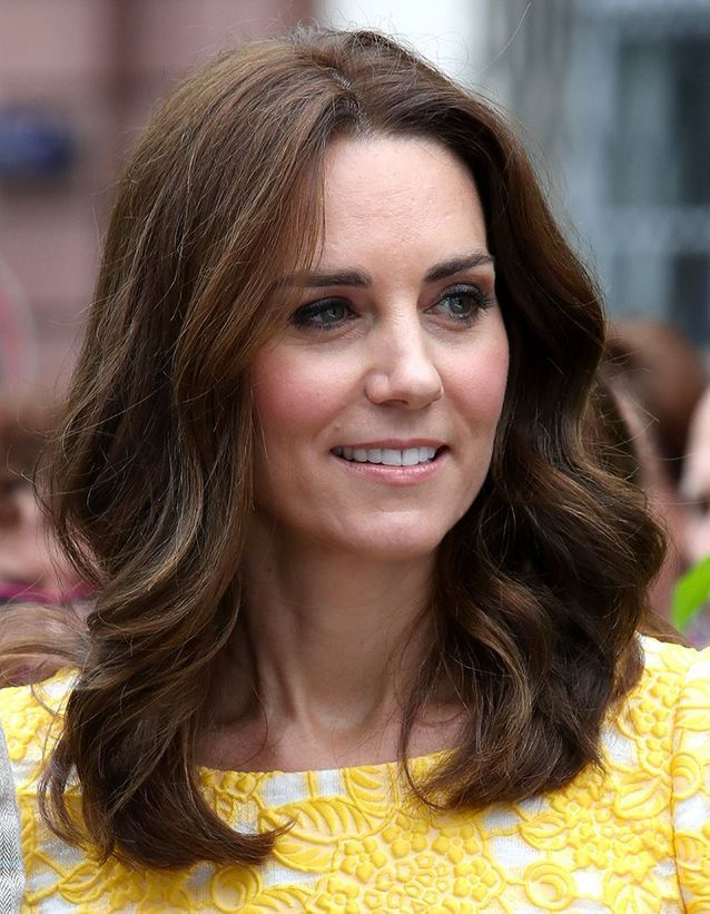 Kate Middleton cheveux mi-longs