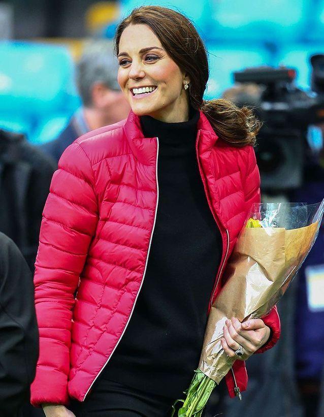 Kate Middleton adopte la queue de cheval basse