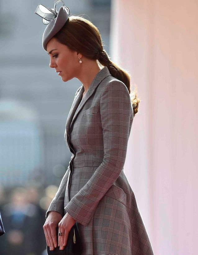 Queue-de-cheval basse Kate Middleton