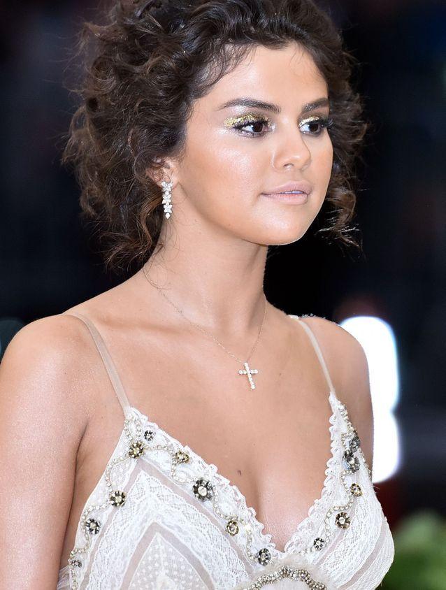 Le teint bronzy de Selena Gomez au Met Ball 2018