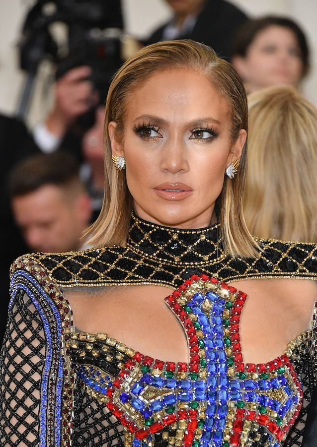 Le carré court et plaqué de Jennifer Lopez au Met Ball 2018