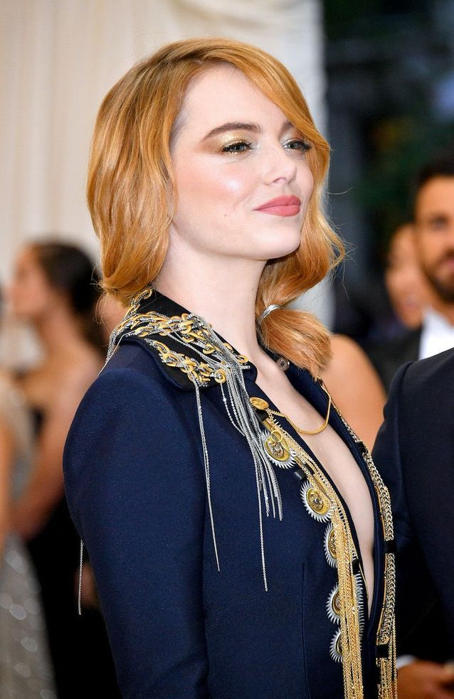 Le maquillage gold d'Emma Stone