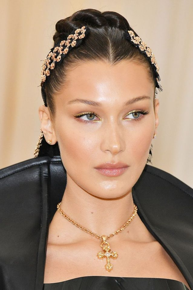 Le beauty look glowy de Bella Hadid au Met Ball 2018