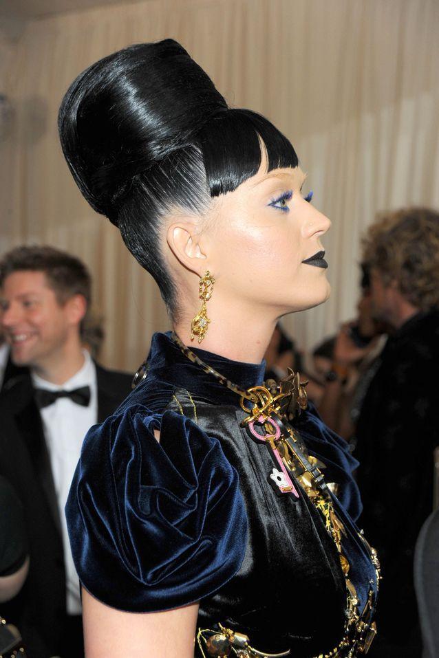 La coiffure d'inspiration égyptienne de Katy Perry