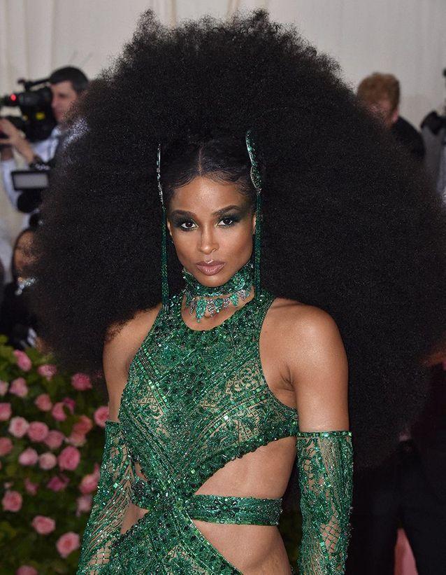 La coiffure volumineuse de Ciara au Met Ball 2019
