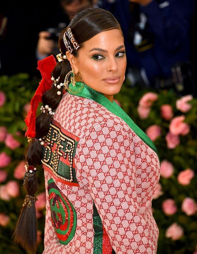 La queue de cheval stylée d'Ashley Graham au Met Ball 2019
