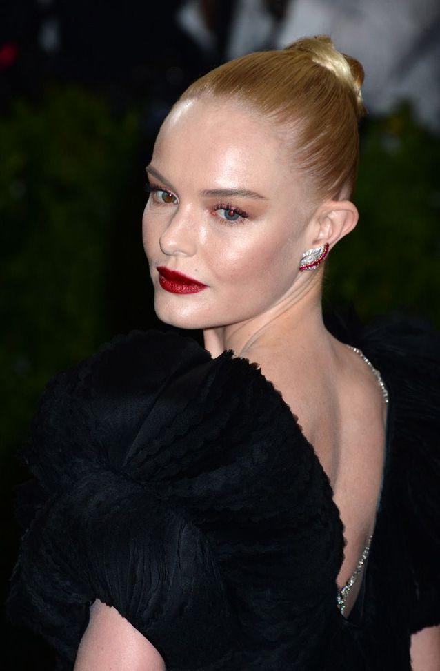 Le chignon haut et plaqué de Kate Bosworth
