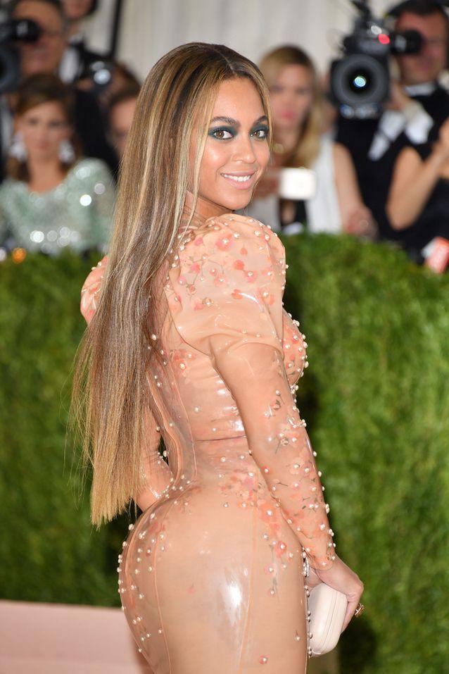 Les cheveux raides de Beyoncé