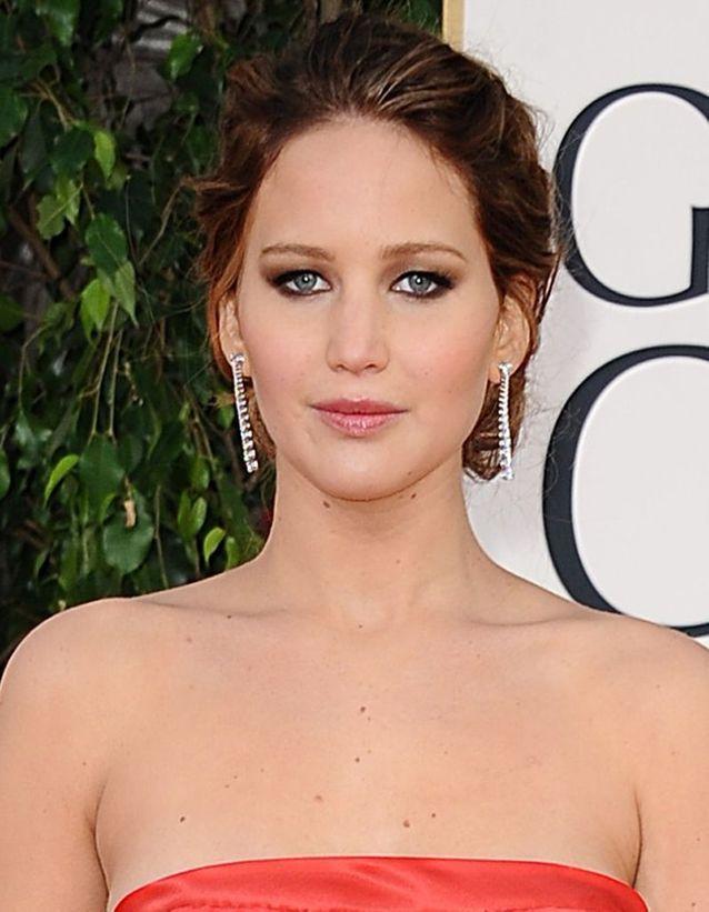 Le smoky eyes mordoré de Jennifer Lawrence