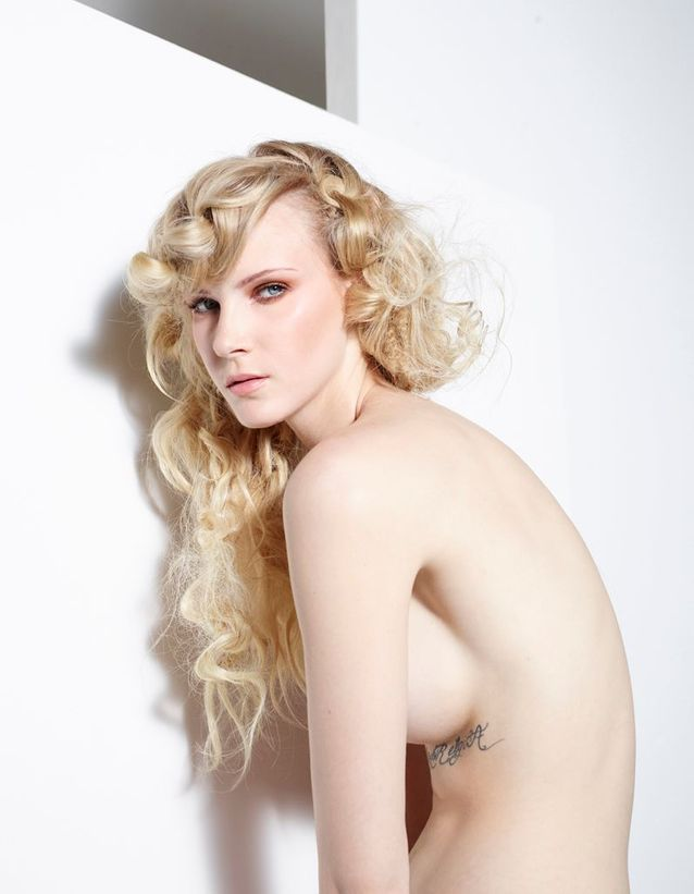 Le blond platine effet mohair de Christophe Nicolas Biot