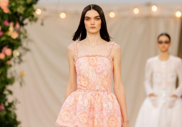 Cette coiffure repérée sur les défilés Haute Couture est la future tendance du printemps