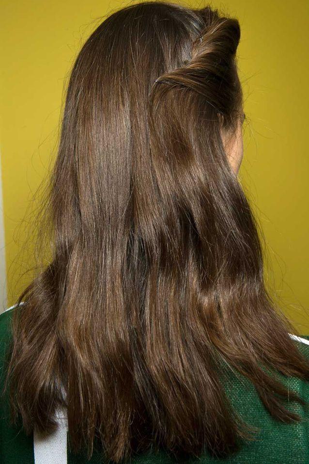 Cheveux attachés barrette automne hiver 2018