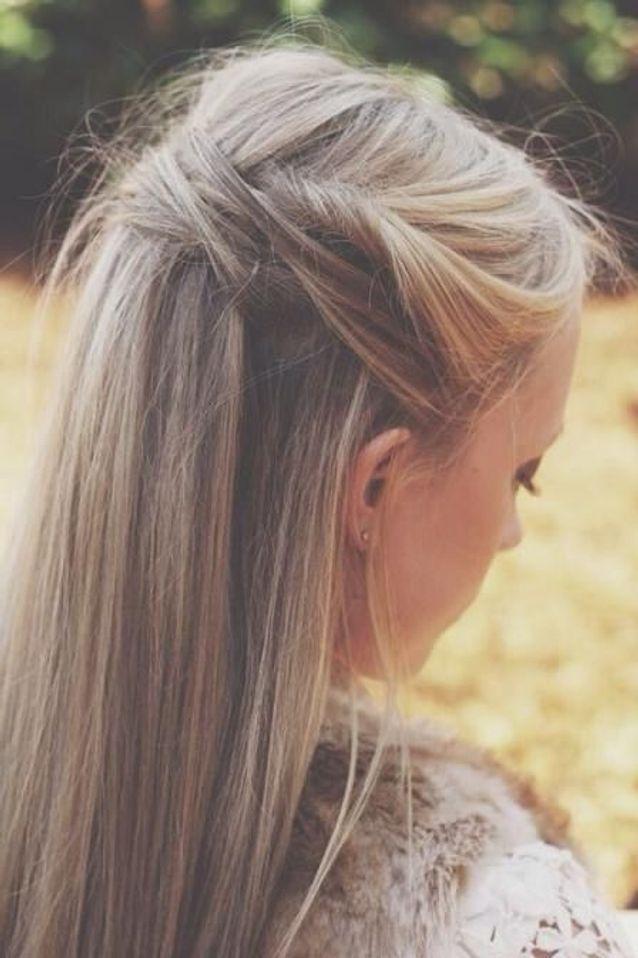 Cheveux attachés blond automne-hiver 2016