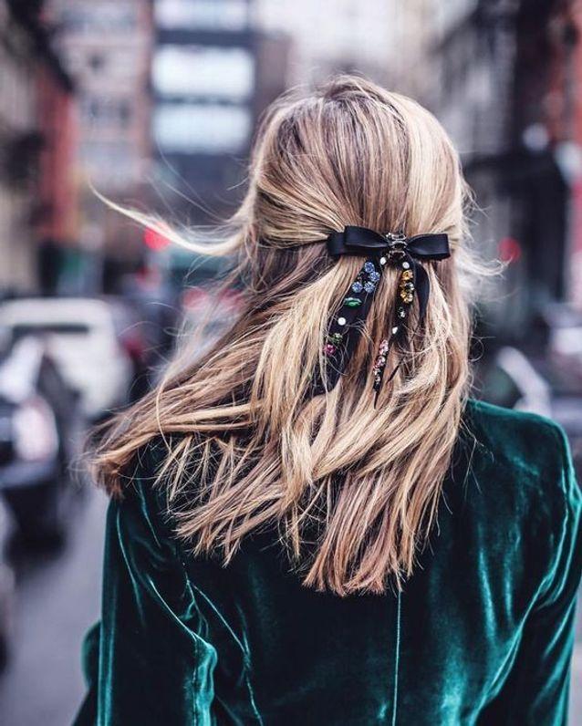 Cheveux attachés chic automne-hiver 2017