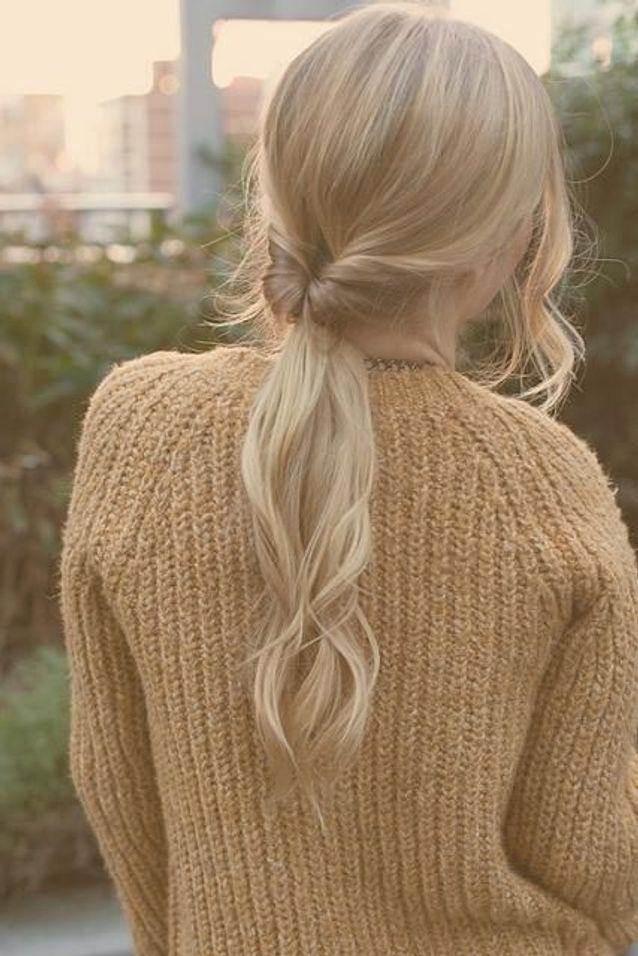 Cheveux attachés en queue-de-cheval originale automne-hiver 2016