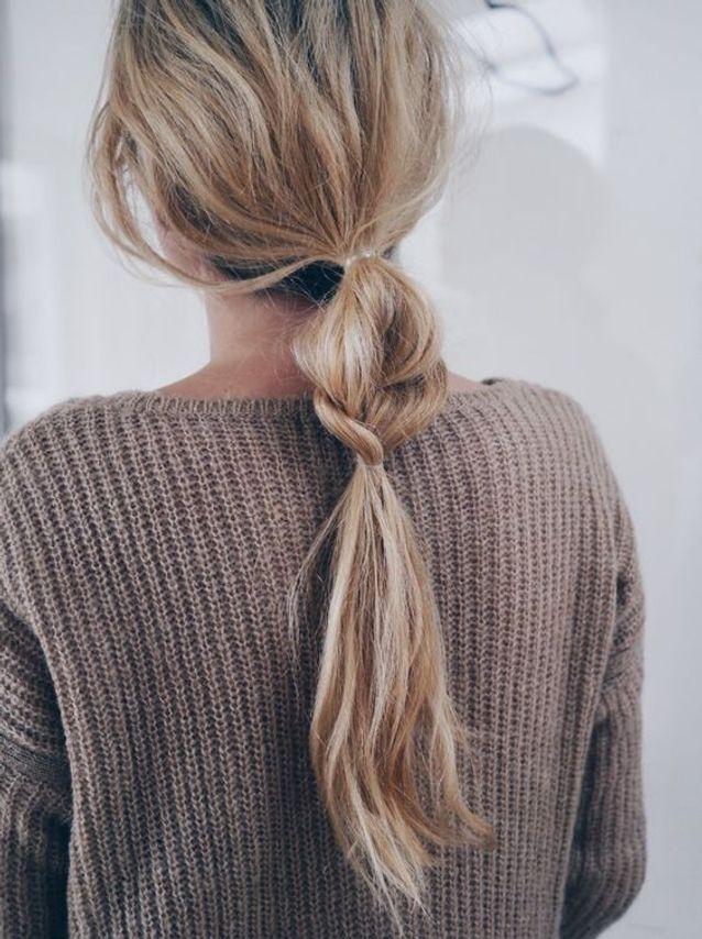 Cheveux attachés en queue tressée automne-hiver 2016