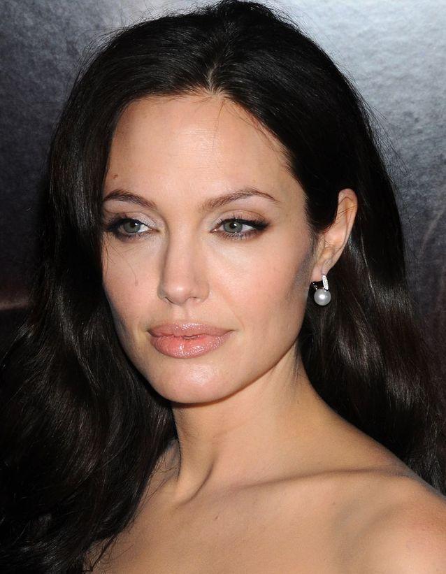 Angelina Jolie et sa coloration brune