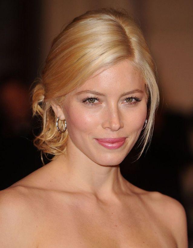 Jessica Biel métamorphosée en blonde