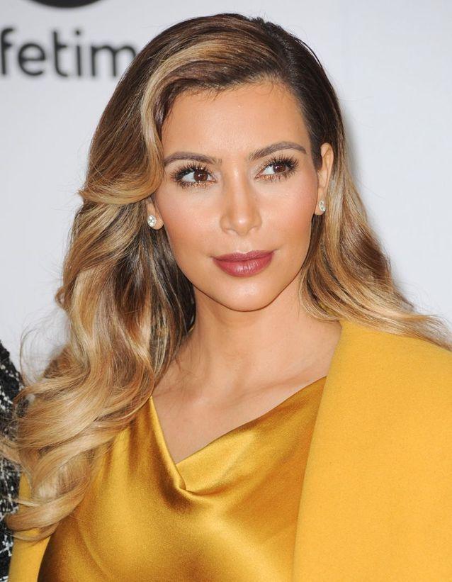 Kim Kardashian et sa coloration blonde