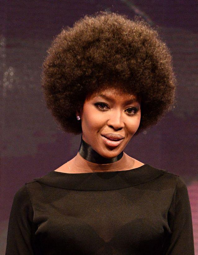 Naomi Campbell et sa coupe Afro
