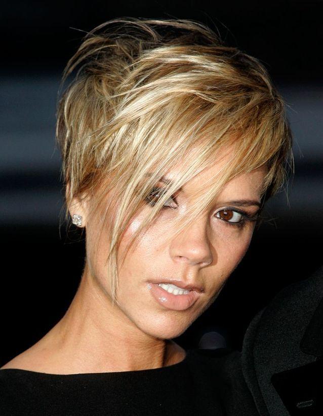 Victoria Beckham teinte en blonde