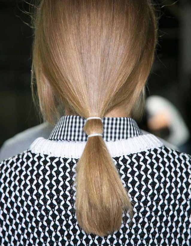 Coiffure cheveux fins double queue-de-cheval