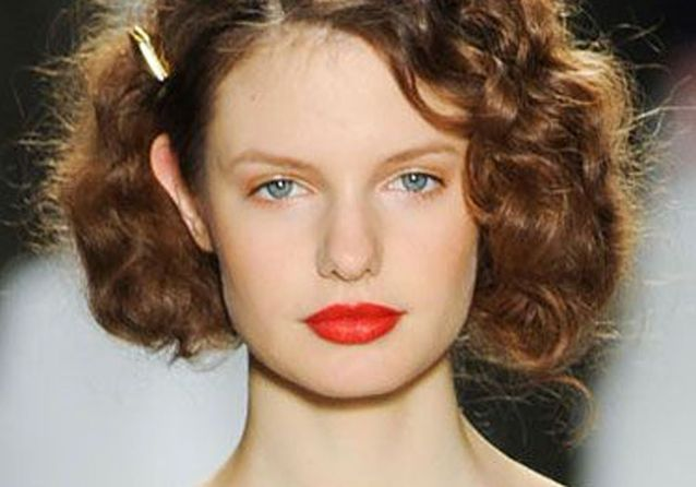 Cheveux frisés  nos plus jolies idées pour les coiffer