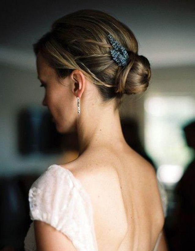 Chignon de mariage cheveux mi-longs