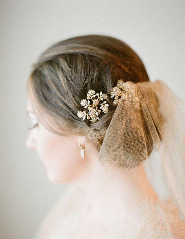 Chignon de mariée cheveux mi-longs