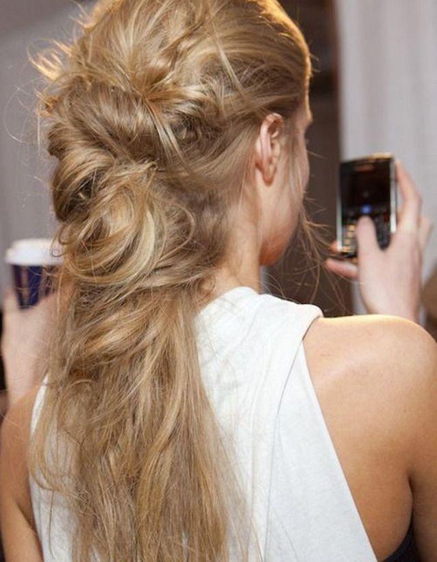 Coiffure coiffée décoiffée cheveux blonds