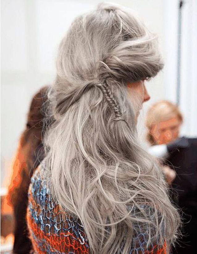 Coiffure coiffée-décoiffée défilé