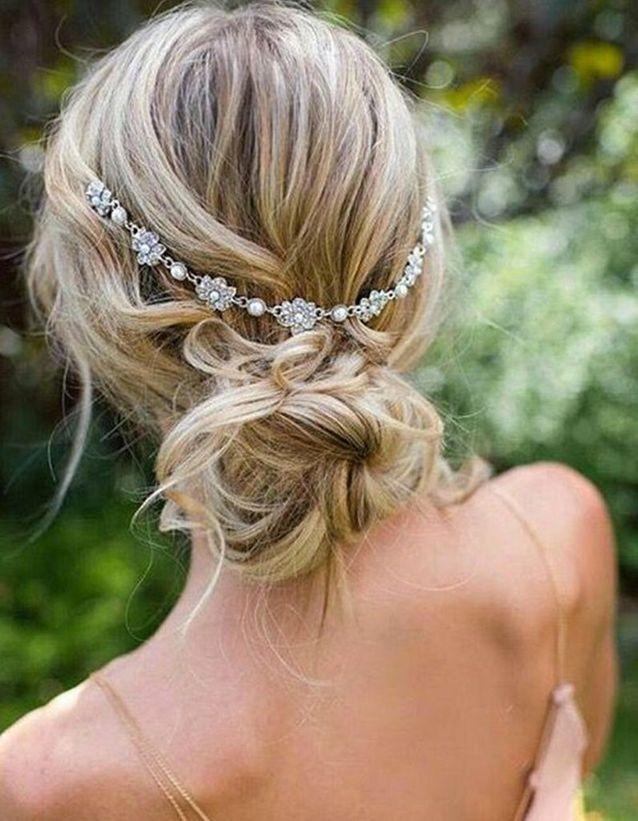 Coiffure demoiselle d'honneur avec bandeau headband